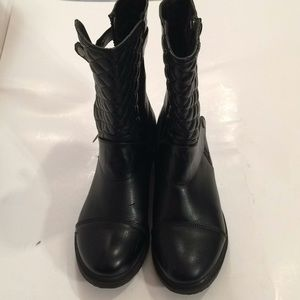 $8 Maurice's women's boots size 9